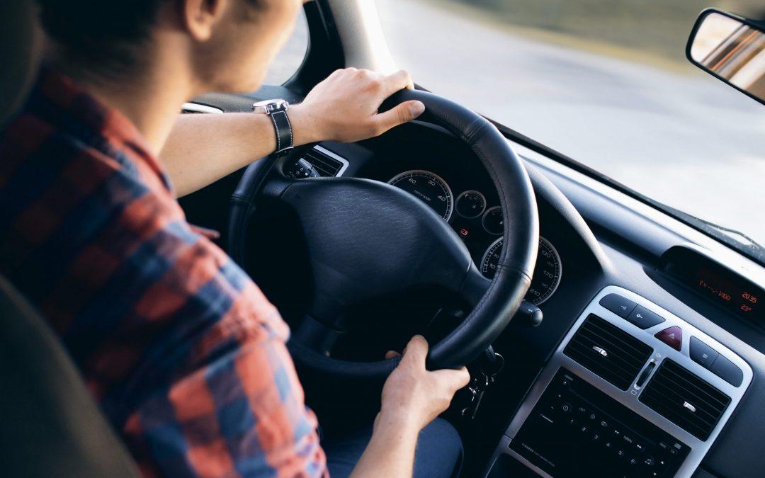 Tráfico controlará con lectores de matrícula si has pasado la ITV del coche